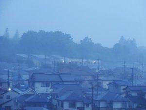 雨に煙る風景